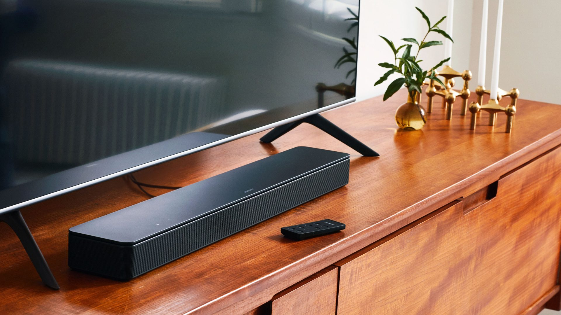 Bose Smart Soundbar 300 intelligens hangprojektor_1