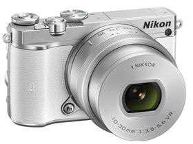 Nikon 1 J5 set za digitalni fotoaparat  (10-30mm PD-Zoom objektiv), beli